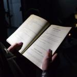 Zdjęcie zostało zrobione przed CKIB - na schodach. Jest to ujęcie z Narodowego czytania, na zdjęciu widać książkę z zapisanym tekstem