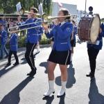 Zdjęcie zostało zrobione podczas Opalenickiego Przeglądu Orkiestr Dętych, na zdjęciu widać muzyków ze Świebodzina. Ubrani są w granatowe marynarki i czarne spodnie lub spódnice