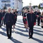 Zdjęcie zostało zrobione podczas Opalenickiego Przeglądu Orkiestr Dętych, na zdjęciu widać muzyków z Tarnowa Podgórnego. Ubrani są na czarno-czerwono.